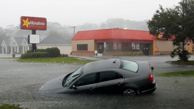Sobe para onze o número de mortes devido à tempestade Florence