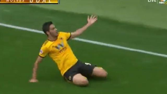 Foi assim que Raúl Jiménez abriu o marcador do Wolves-Burnley