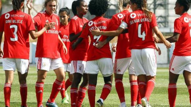Benfica estreia-se no futebol feminino com goleada à... andebol