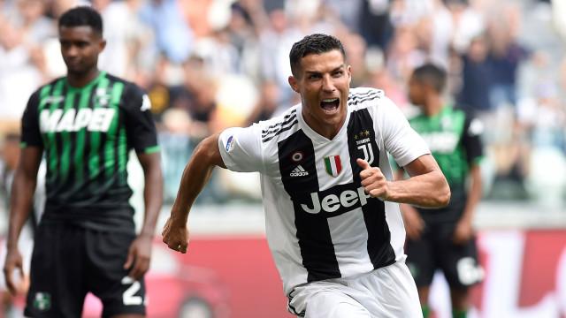 Depois de quebrado o enguiço do golo, Ronaldo 'festeja' nas redes sociais