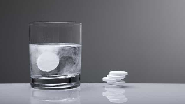 Difícil de engolir? Tomar aspirina pode fazer mais mal do que bem...