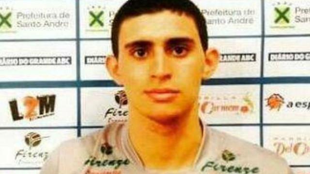 Jogador de voleibol brasileiro encontrado morto em casa