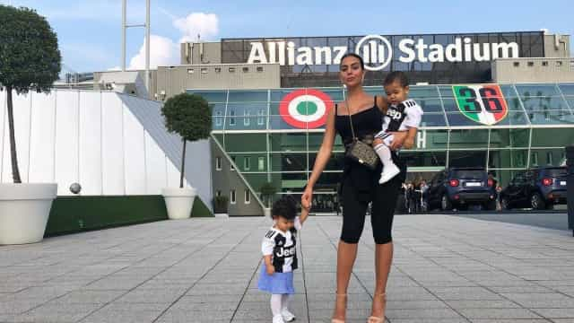 Para Georgina Rodríguez, Cristiano Ronaldo é o rei (literalmente)