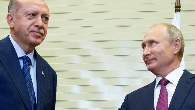 Rússia e Turquia chegam a acordo para zona desmilitarizada em Idlib