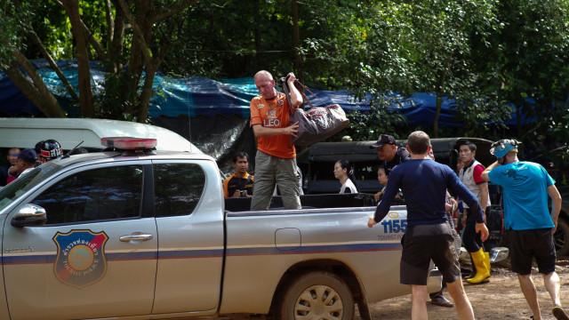 Mergulhador que ajudou a salvar crianças tailandesas processa Elon Musk