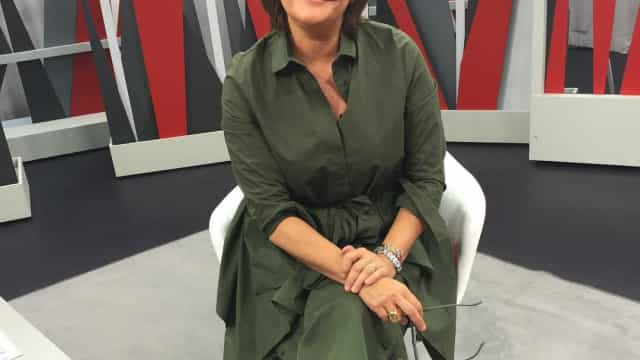 Júlia Pinheiro emociona-se em direto com mensagem do marido