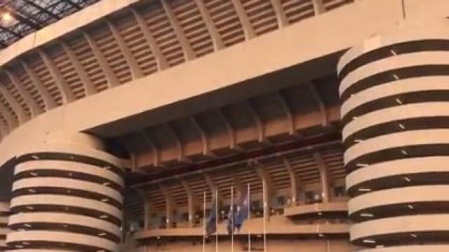 """Arrepiante: Adeptos do Inter gritam """"Champions"""" e abafam hino"""