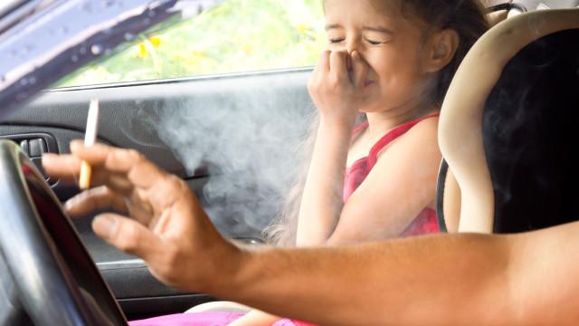Sabe ao certo o mal que o seu fumo faz aos mais novos?