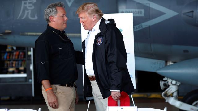 Trump visita zonas afetadas pelo furacão Florence