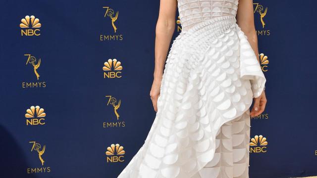 """""""Fotografia de uma mulher ressacada"""": O pós-Emmys de Jessica Biel"""