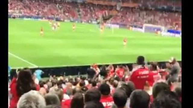 Renato marcou, pediu desculpa e... foi aplaudido pelo estádio da Luz