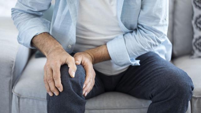Vai gostar de saber qual o segredo contra as dores da artrite reumatóide