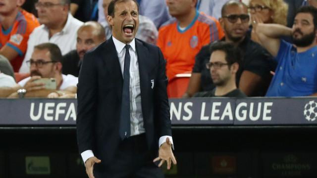 """Allegri e a expulsão de Ronaldo: """"O VAR teria ajudado o árbitro"""""""