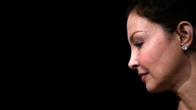 Ashley Judd impedida de processar Harvey Weinstein por assédio sexual