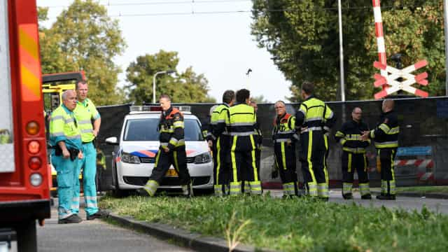 Quatro crianças morreram em colisão entre comboio e bicicleta na Holanda