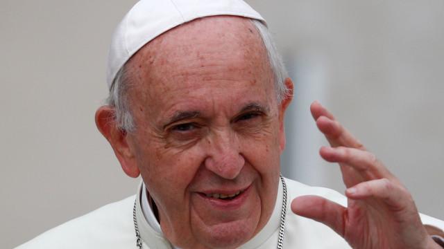 Papa alerta para regresso do ódio, da discriminação e da intolerância