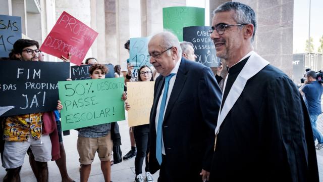 Na despedida do 'professor Marcelo' reitor de Lisboa critica política