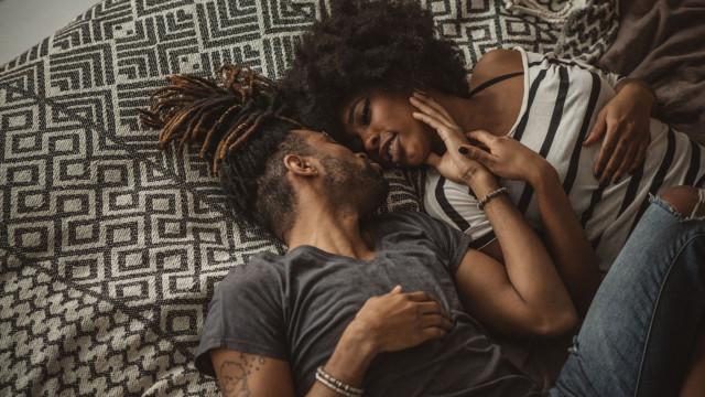 Assunto tabu? Três em cada quatro pessoas não diz ao parceiro que tem DST