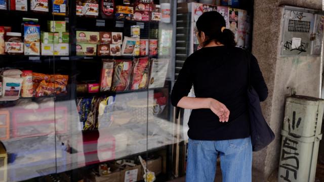 Organizações criticam detenção de gerentes de supermercados de lusos