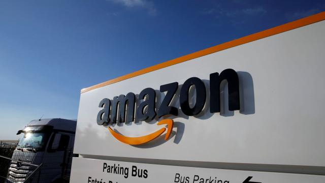 Amazon sobe salário mínimo para 15 dólares/hora para todos os empregados
