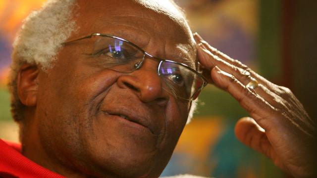 Desmond Tutu apela à eutanásia regulamentada após detenção de ativista