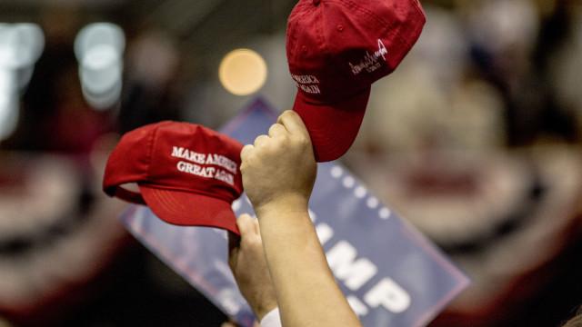 Bonés de campanha de Donald Trump são fabricados por... latinos
