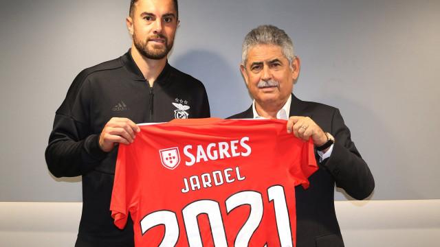 Oficial: Benfica prolonga contrato com Jardel