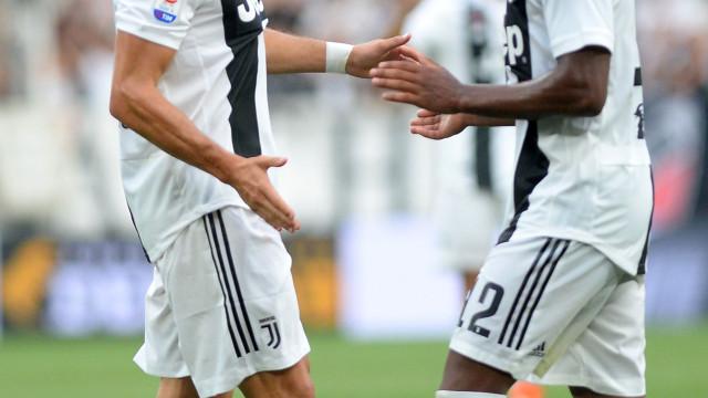 O que sente Ronaldo após expulsão? Alex Sandro revela tudo