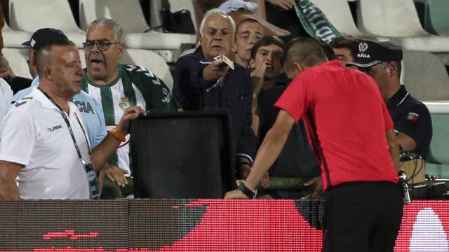 """Benfica e a arbitragem no Bonfim: """"Liga Blue Velvet perdeu a vergonha"""""""