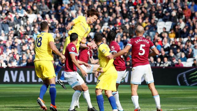 Chelsea empata com o West Ham e deixa o Liverpool sozinho na liderança