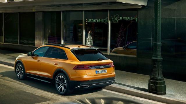 Já pode ver as primeiras imagens do vistoso Audi Q8
