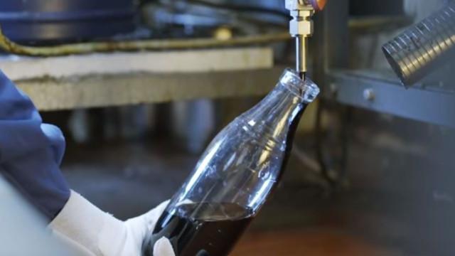 E se se pudesse transformar plástico em petróleo? Já é possível