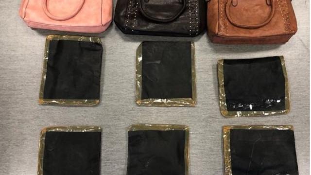 Apanhado com 33 mil doses de cocaína escondidas em malas de senhora