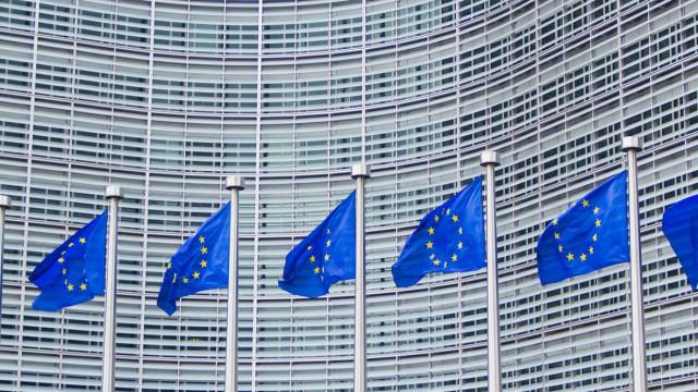 """Bruxelas em posição delicada mas """"forçada"""" a abrir procedimento a Itália"""