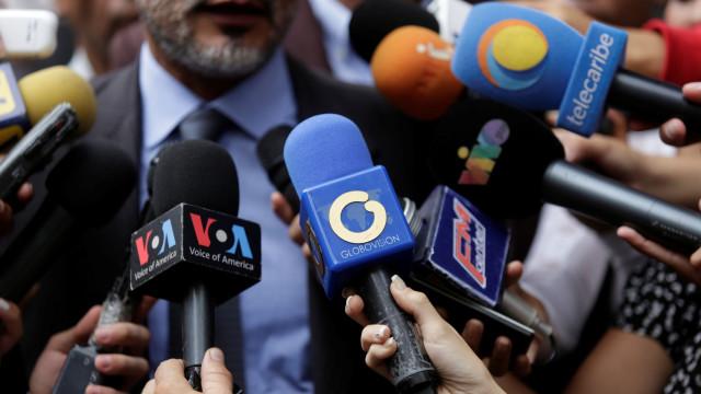 Venezuela: Detido jornalista que viajaria para visitar um familiar