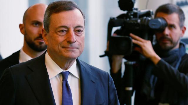 Euro sobe face ao dólar após declarações de Draghi