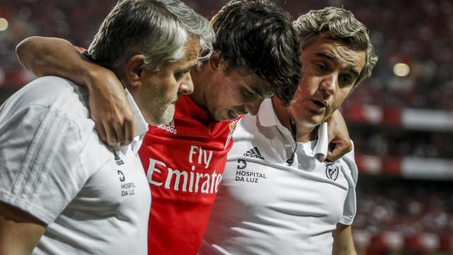 João Félix deve falhar jogos com Chaves e AEK e está longe do Clássico