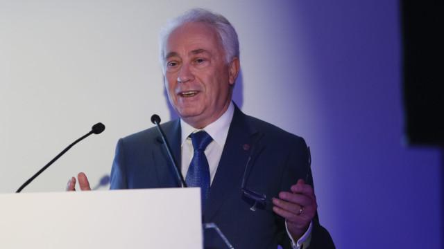 Governador do BdP defende reforço de cooperação entre bancos lusófonos