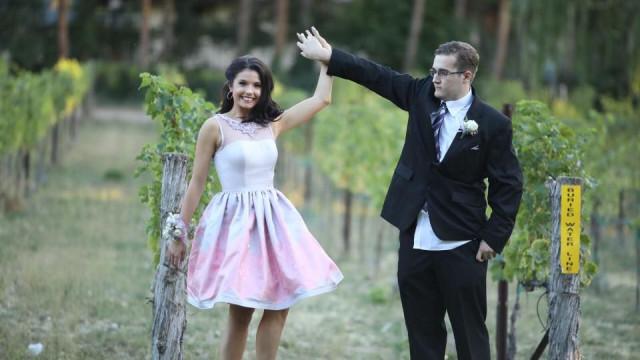 Após convite falso, jovem autista é convidado por Miss para ir a festa