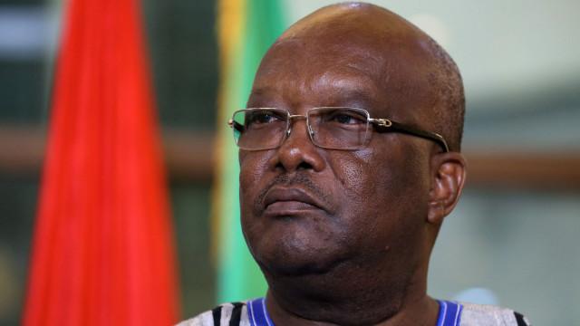 Pelo menos oito soldados do Burkina Faso morreram em explosão de mina