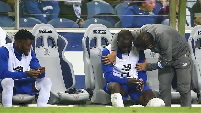 """FC Porto envia mensagem a Aboubakar: """"Voltarás mais forte"""""""