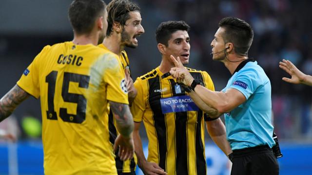AEK Atenas castigado de forma severa pela Federação grega