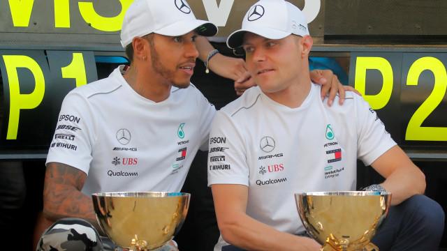 """Hamilton comenta gesto de Bottas: """"Foi um cavalheiro"""""""