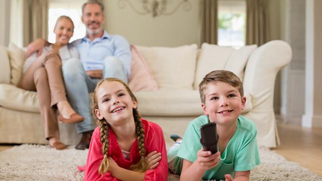 Sem medidas extremas, limite os mais novos a este tempo de televisão