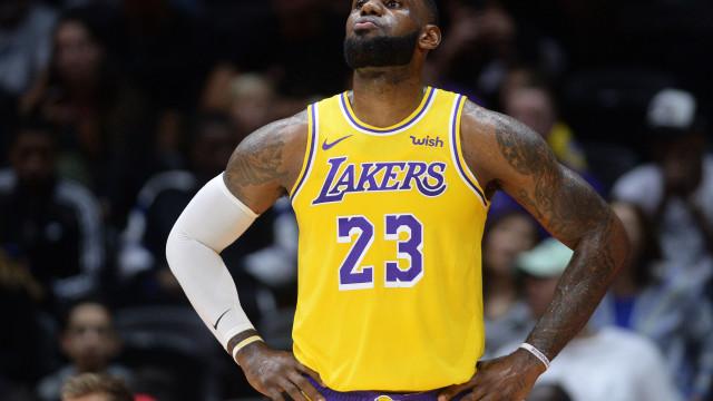 LeBron James com estreia 'amarga' pelos LA Lakers