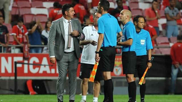 Benfica e a disciplina na Liga: Muitas faltas... poucos cartões
