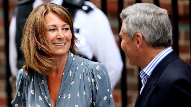 Mãe de Kate Middleton continua a pedir conselhos sobre negócio aos filhos