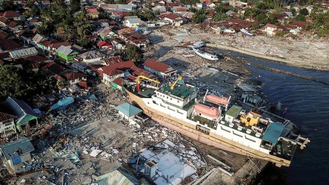 Número de mortes na Indonésia sobe para 1.234