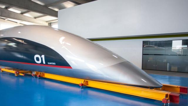 Hyperloop revela a sua cápsula para passageiros