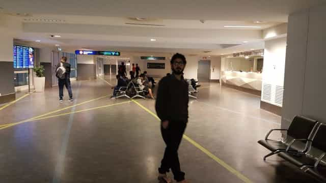 Sete meses depois, o sírio Hassan foi retirado de aeroporto da Malásia